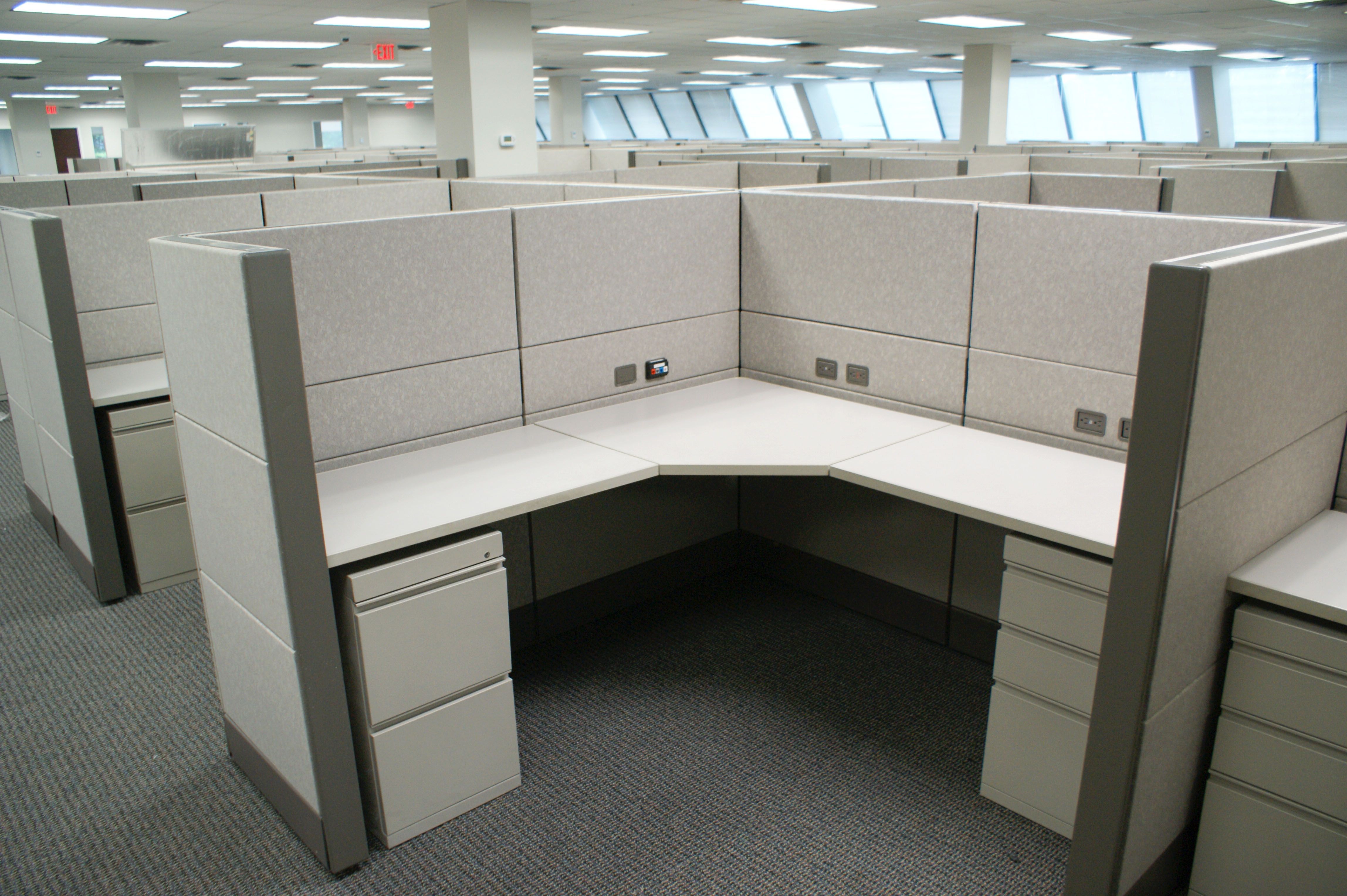 Petro Davena Office Furniture Refurbished And Used Office Furniture And Cubicle Installation